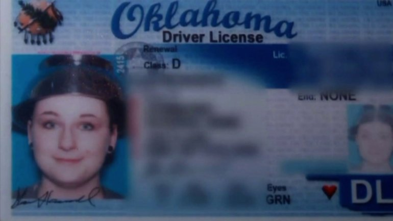 Woman wears colander on her head for Oklahoma drivers license picture