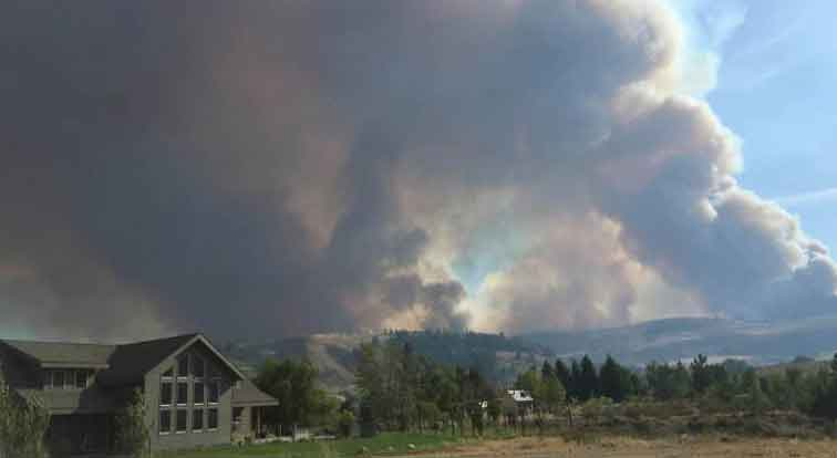 Smoke from the fire near Winthrop, Wash. (Photo courtesy: Patsy Rowland via Q13FOX.com)