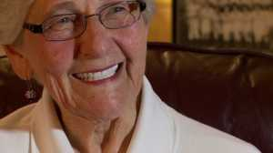 (Audrey Haine Daniels, 86, a member of the AAGPBL, talks Tribe baseball with Fox 8 News on Oct. 1, 2013.)