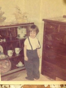 (Lee Ann Miller as a little girl at her Amish neighbors' wearing Amish clothes.)
