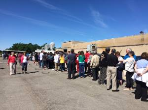 People waiting in line to see Hillary Clinton in Cleveland