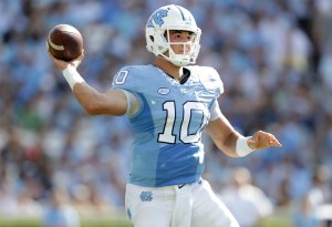 Mitch Trubisky #10 of the North Carolina Tar Heels drops back to pass against the Pittsburgh Panthers during their game at Kenan Stadium on September 24, 2016 in Chapel Hill, North Carolina. (Photo by Streeter Lecka/Getty Images)