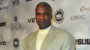 Former NBA player Charles Oakley arrives to the National Basketball Players Association (NBPA) All-Star Gala on February 19, 2011 in Los Angeles, California. (Photo by Alberto E. Rodriguez/Getty Images)