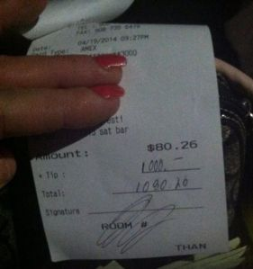 Man leaves $1,000 tip for dog's surgery
