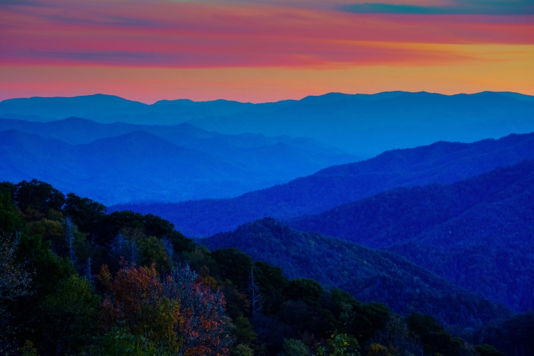 Webb Overlook at Sunset in Great Smoky Mountains National Park (Courtesy: Larry Knupp/ThinkStock)