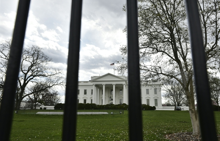 The White House is seen through the fence on March 17, 2016 in Washington, DC.     (Photo: MANDEL NGAN/AFP/Getty Images)