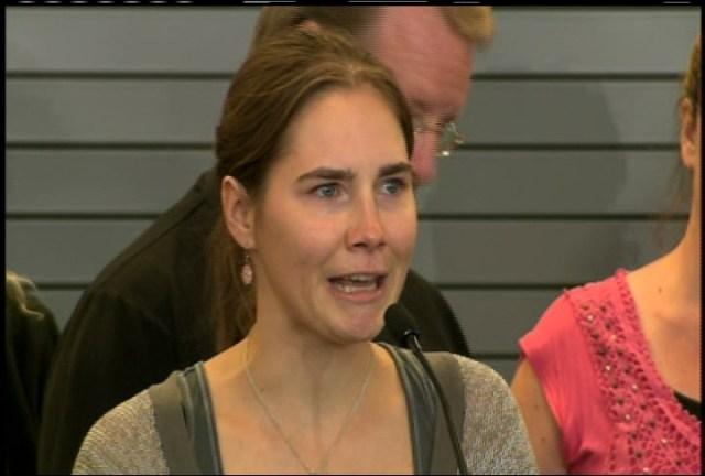 Amanda Knox Returns to U.S. Press Conference