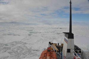 Australian Ship Stuck in Antarctica