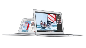 Apple rolls out new, cheaper MacBook Airs