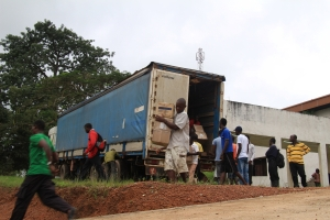 Medial supplies reach Liberia, courtesy Heart to Heart International
