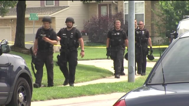 Police look for suspect in the shooting of a mother and daughter in KC North