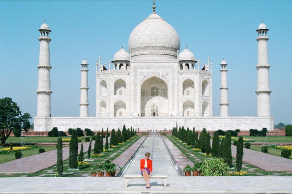 INDIA - FEBRUARY 11: Diana Princess of Wales sits in front of the Taj Mahal during a visit to India (Photo by Tim Graham/Getty Images)