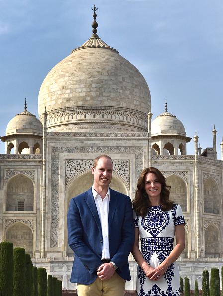 AGRA, INDIA - APRIL 16: Britain's Prince William, Duke of Cambridge, and Catherine Middleton Duchess of Cambridge pose in front of Taj Mahal on April 16, 2016 in Agra, India. (Photo by Ajay Aggarwal/Hindustan Times via Getty Images)