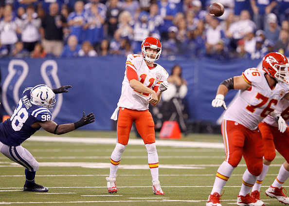 INDIANAPOLIS, IN - OCTOBER 30: Alex Smith #11 of the Kansas City Chiefs passes the ball during the second quarter of the game against the Indianapolis Colts at Lucas Oil Stadium on October 30, 2016 in Indianapolis, Indiana. (Photo by Joe Robbins/Getty Images)
