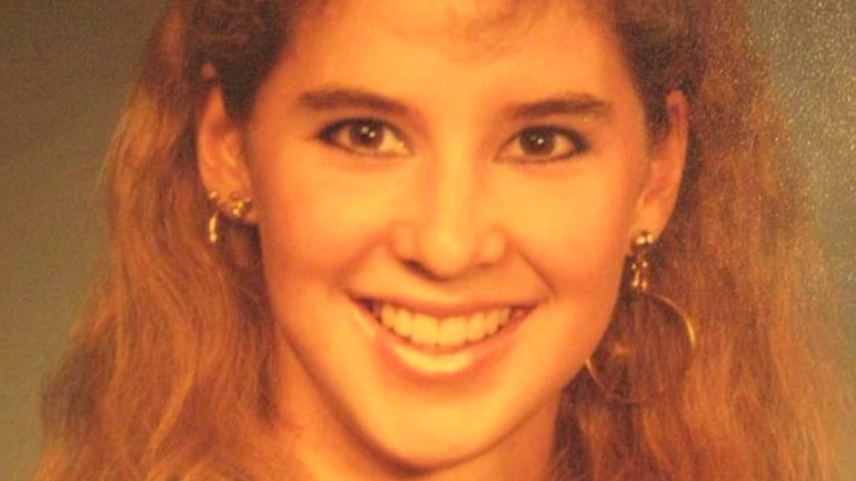 Sarah De Leon was killed shortly after Christmas in 1989. Her murder remains unsolved, but police announced the arrest of a suspect on October 19, 2016.