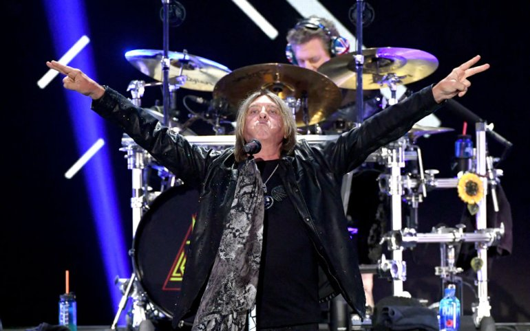 Picture of Def Leppard lead singer