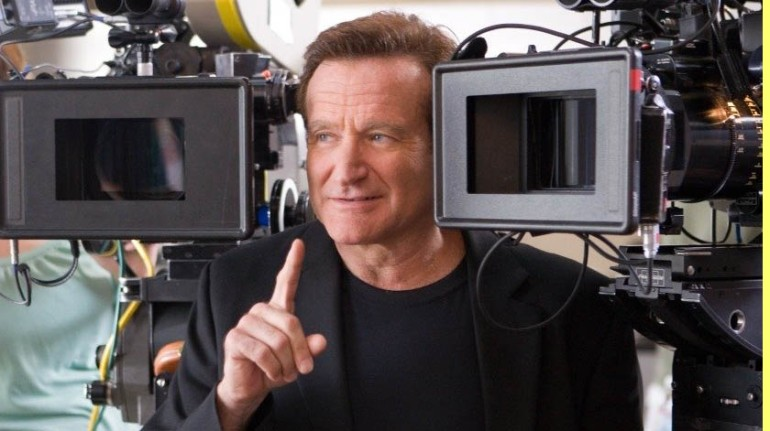 """Robin Williams - """"License to Wed"""""""