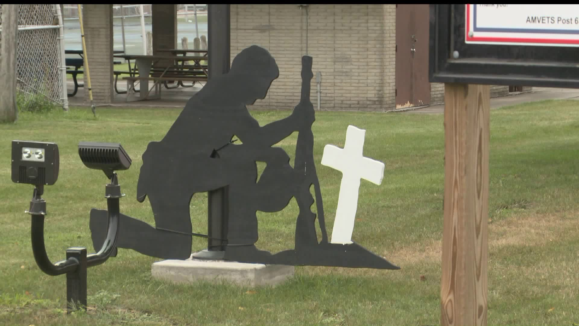 Soldier memorial in Knoxville city park. (WHO-HD)