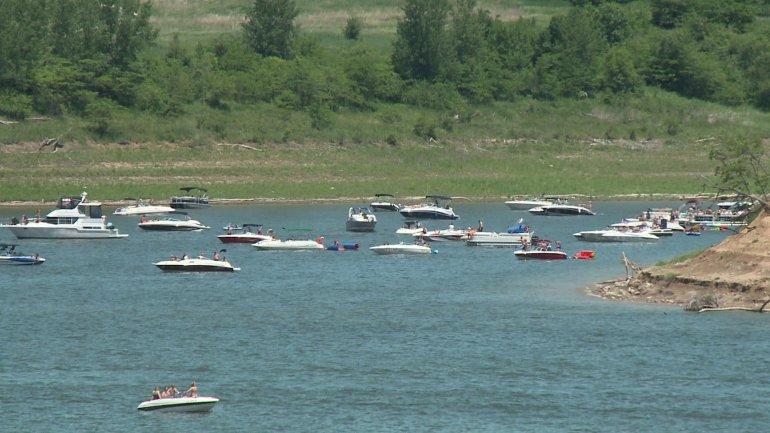 Boats on Saylorville Lake. (WHO-HD)