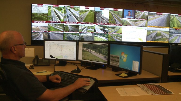 Iowa DOT Traffic Management Center in Ankeny. (WHO-HD)