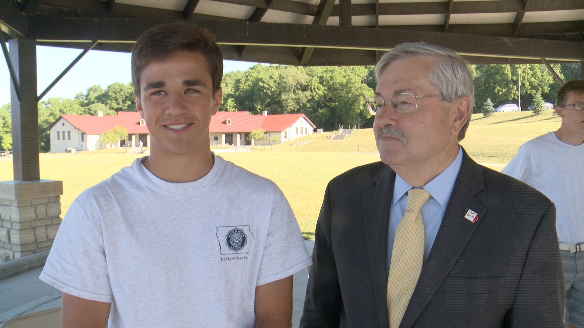 Conner Ascherl of MOC Floyd Valley School in Orange City was elected 2016 Governor of Hawkeye Boys State, got some advice from Governor Branstad. ( Roger Riley WHO-HD)