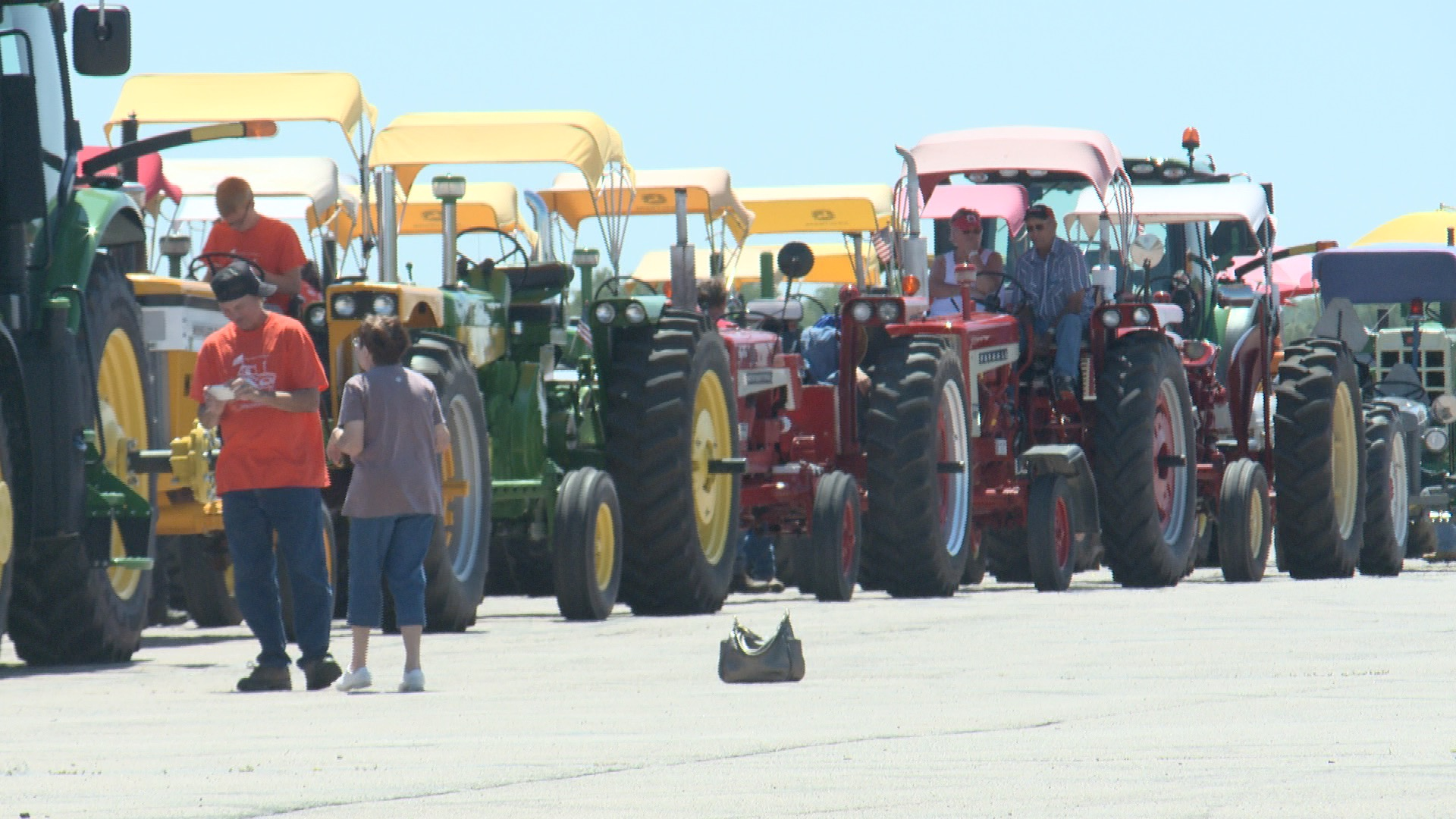 The 20th Great Iowa Tractor Ride visits the Iowa Speedway in Newton (Roger Riley WHO-HD)