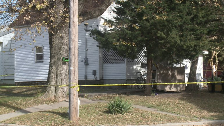 Police investigating two homicides in Perry, a third person injured. (WHO-HD)