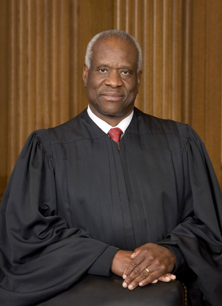 Official portrait of U.S. Supreme Court Justice Clarence Thomas.