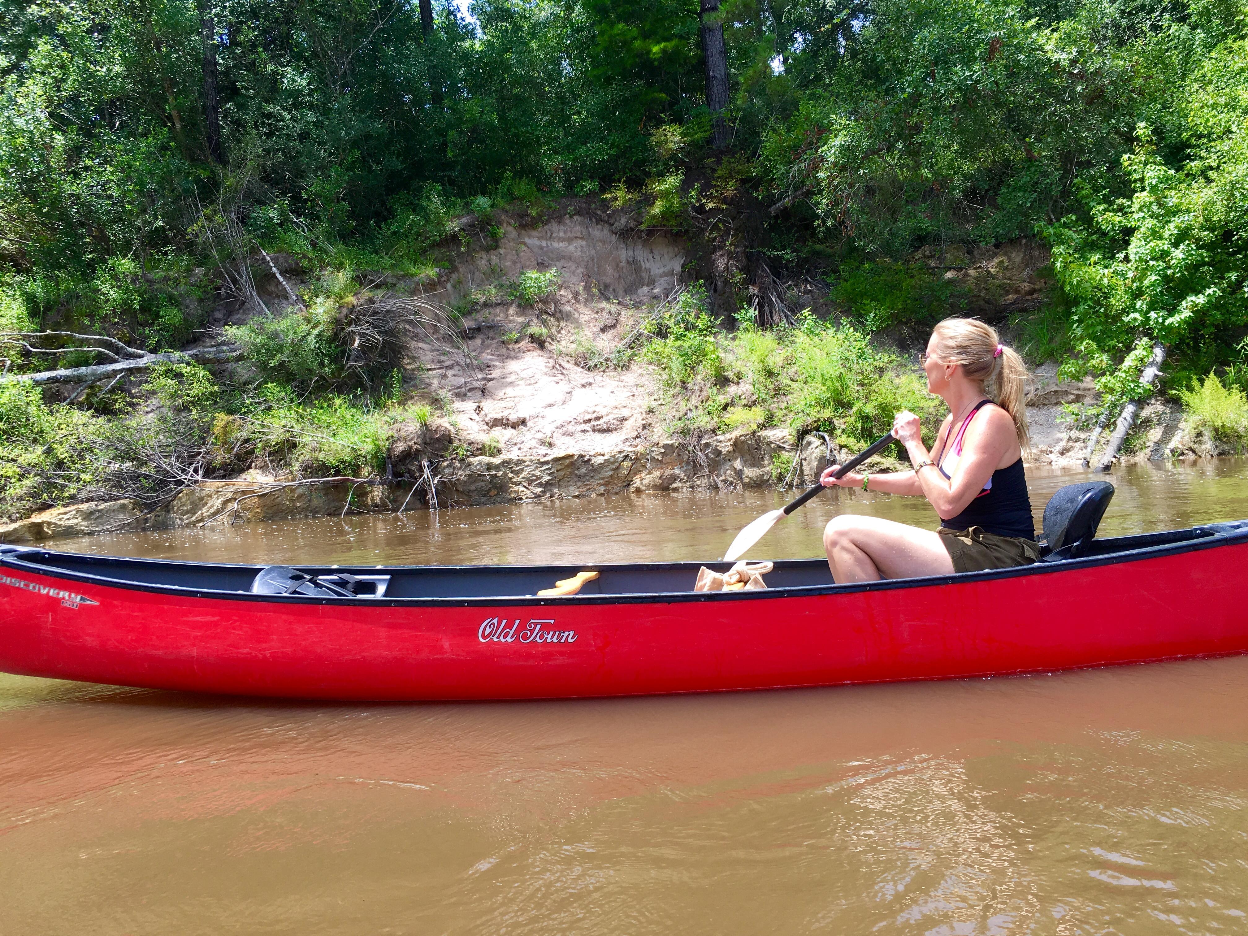 WGNO Travel Girl Stephanie Oswald on the Wolf RIver.