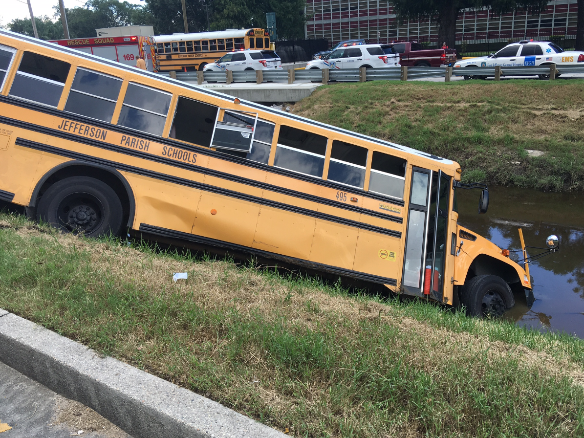 Bus crashes into Metairie canal