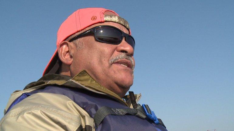 Warren Bell on LBJ's boat (WGNO-TV)