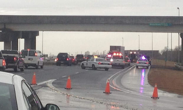 Photo of traffic stopped in the westbound lanes of I-565, approaching the scene. (Photo: Megan Hayes, WHNT News 19)