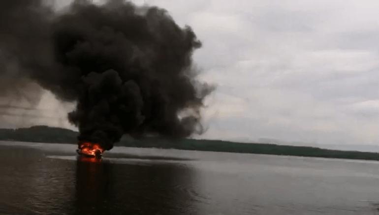 Fire following boat explosion on Lake Guntersville courtesy Justin King