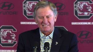 Steve Spurrier announces he is stepping down as South Carolina's head football coach. (Oct. 13, 2015)