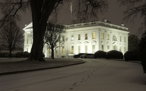 WASHINGTON, DC - JANUARY 20: The first measurable snowfall is seen around the White House January 20, 2016 in Washington, DC. President Obama had to motorcade back to the White House from Andrews Joint Base due to the winter weather. (Photo by Olivier Douliery-Pool/Getty Images)