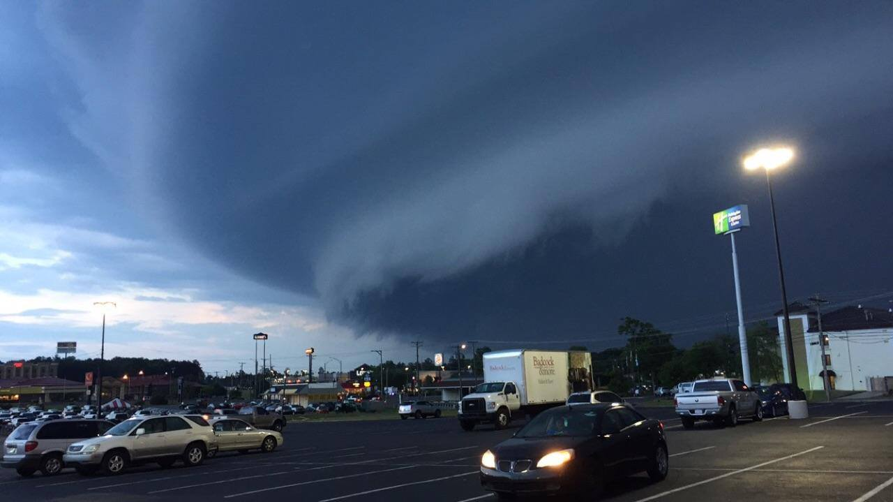 Shelf cloud over Fort Payne (Photo: Rayford Bethune)
