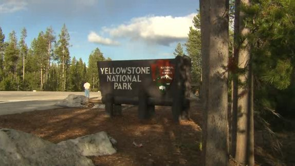 The search is still on for a man who fell into a hot spring at Yellowstone National Park. (File photo/CNN)