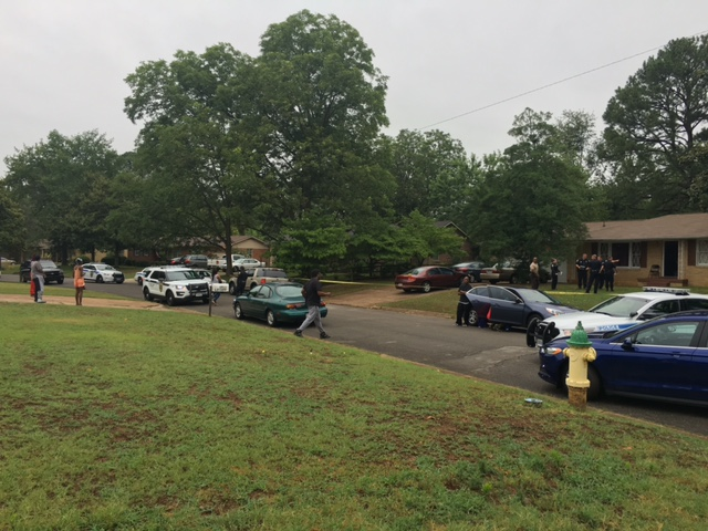 Huntsville Police have several investigators at a home in the 3900 block of Broadmor Road, off Sparkman Drive NW. (Photo: Courtney Crown/WHNT News 19)
