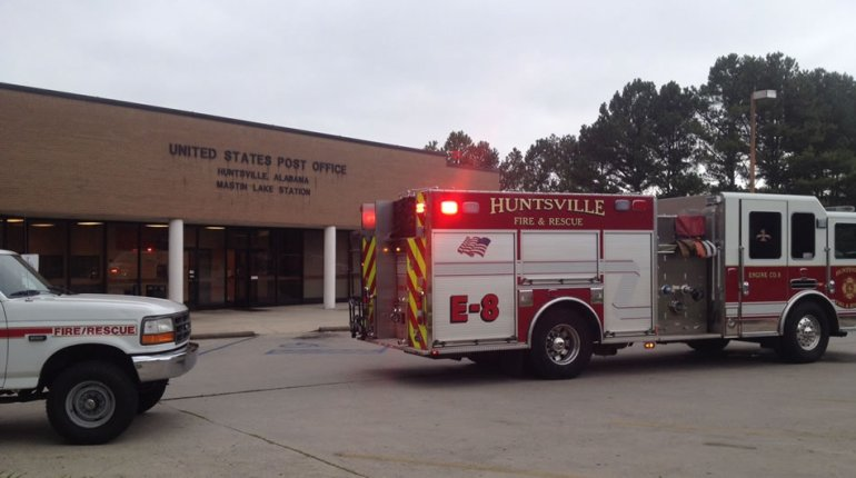 The U.S. Post Office on Mastin Lake Road in Huntsville was evacuated on Tuesday morning. (Photo: Gregg Stone/WHNT News 19)