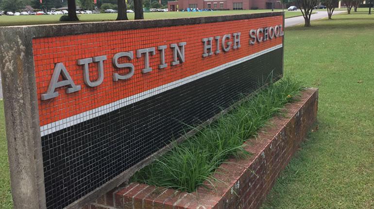 Austin High School (Photo: Shane Hays/WHNT News 19)