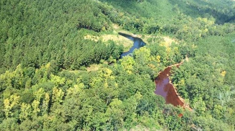 Work crews are trying to repair a pipeline that has spilled more than 250,000 gallons of gasoline in a rural area near Birmingham. Colonial Pipeline says most of the gas is contained in a retention pond near the city of Helena, and there's no public safety concern. (Photo: Colonial Pipeline, via ABC3340.com)