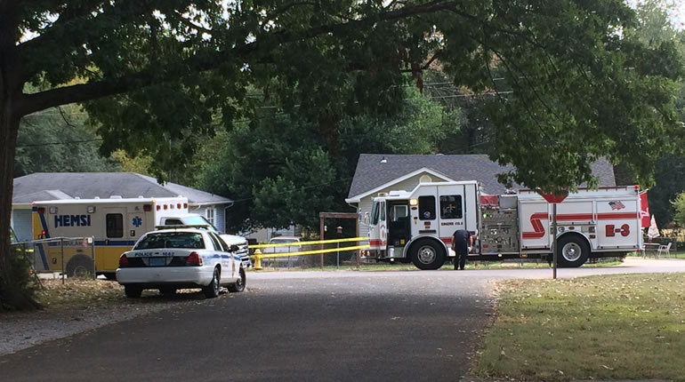 Huntsville Police and Huntsville Fire respond to the area near the shooting on 10th Avenue. (Photo: Jeremy Jackson/WHNT News 19)