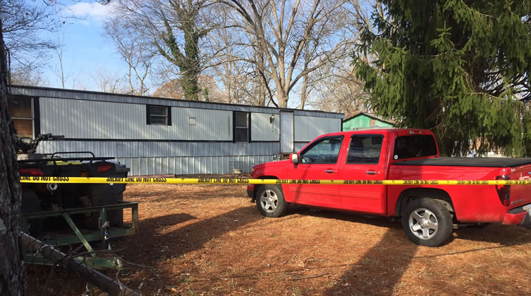 The shooting happened late Tuesday, Dec. 20 in this home on North Main St. in Leighton. (Photo: Carter Watkins/WHNT News 19)
