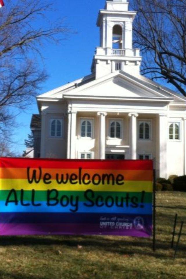 Country Club Congregational United Church of Christ in Kansas City, MO planted a sign outside its church welcoming all Boy Scouts following the gay Boy Scout Controversy.
