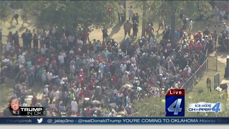 Crowds waiting to see Donald Trump