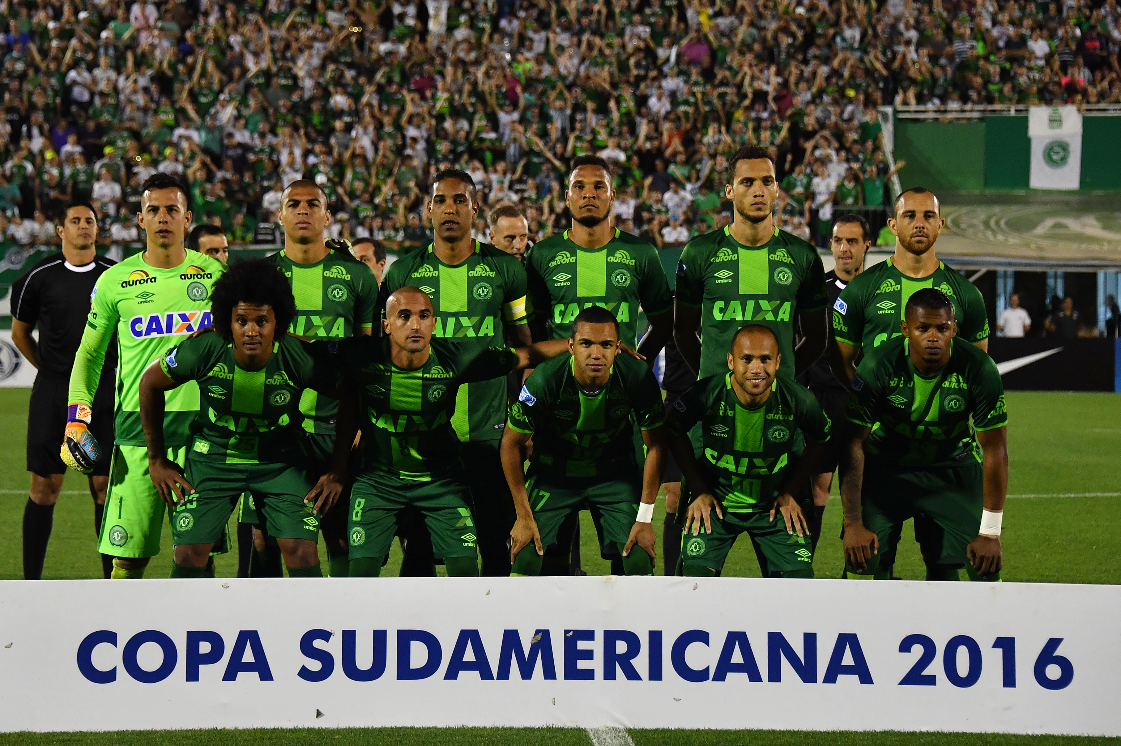 Brazil's Chapecoense players pose for pictures during their 2016 Copa Sudamericana semifinal second leg football match against Argentina's San Lorenzo held at Arena Conda stadium, in Chapeco, Brazil, on November 23, 2016. / AFP / NELSON ALMEIDA (Photo credit :NELSON ALMEIDA/AFP/Getty Images)