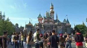 Disneyland-Crowds