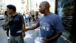 hollywood-walk-of-fame-vendor