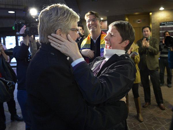 APphoto_APTOPIX Gay Marriage Utah