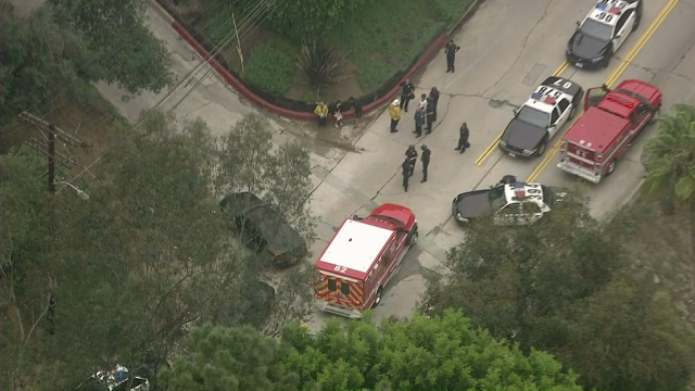 Ambulence_on_scene_of_Hollywood_Hills_Shooting